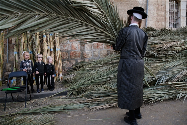 Sukkot, Mea Shearim Jerusalem October 2019